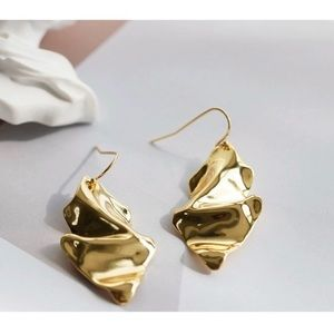 Alexis Bitta Crumpled Wire Earrings Gold
